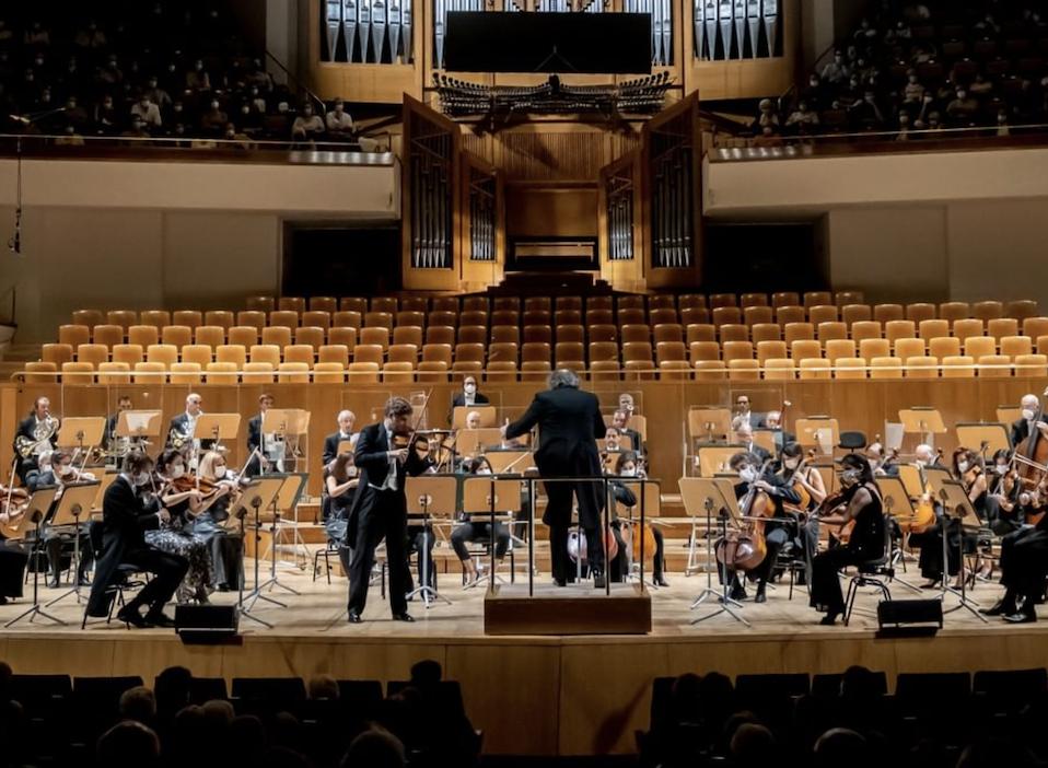 Crítica: Juanjo Mena dirige la Orquesta Nacional. Bien destilado Romanticismo